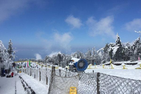 2020峨眉山雷洞坪滑雪场门票及游玩攻略